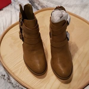 NWOT brown booties